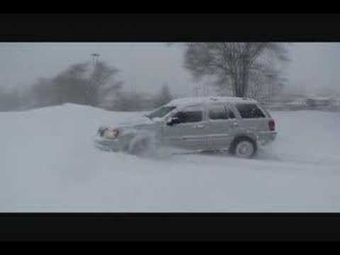 Jeep Grand Cherokee Overland Deep Snow Video