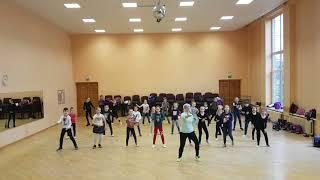 Download Lagu Luis Fonsi Demi Lovato - Echame La Culpa - Zumba kids Gratis STAFABAND
