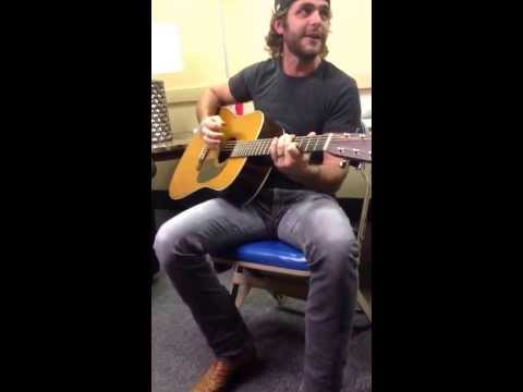 Thomas Rhett Singing Round Here video