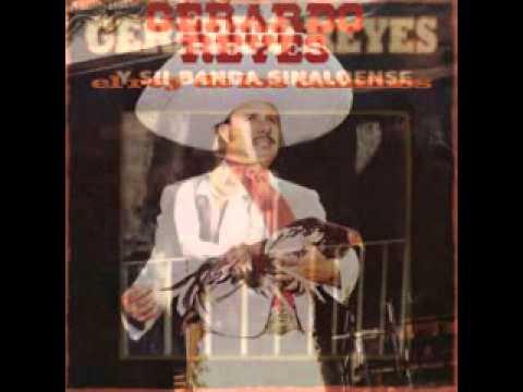 Gerardo Reyes - Vistiendo Santos.