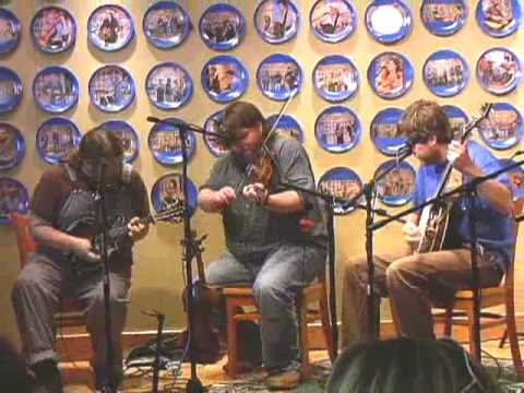 Trampled By Turtles perform The Darkness and the Light at