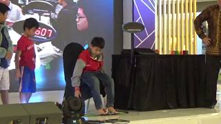 Solving Rubik with Feet at Battle of Honor Event 2018 - Lenmarc Surabaya