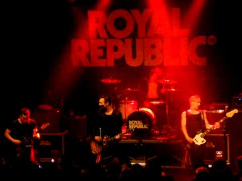 Royal Republic - Intro + Walking down the line - 05.03.2011 - Essen - Zeche Carl