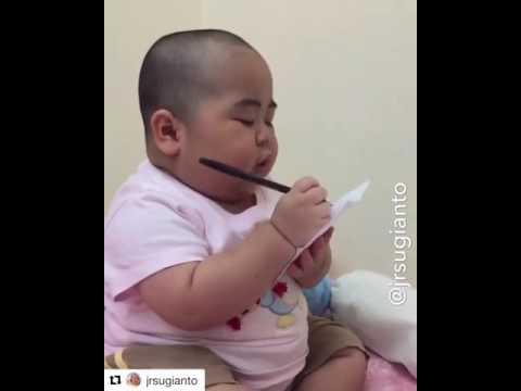 Lucu Abiss!!😃😃 Anak kecil Pesan makanan!!!