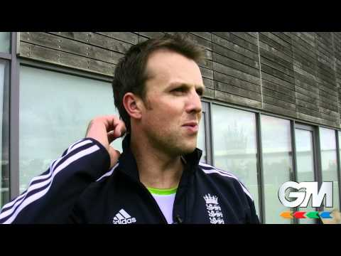 Graeme Swann Aims To Score Ashes Centuries With New GM Bats
