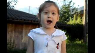 ThyThy  4 tuổi kể chuyện đi học, hát hò - TT nổi tiếng từ clip này