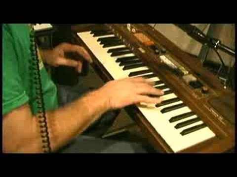 Casio CT 401 Electronic Musical Instrument Demo.