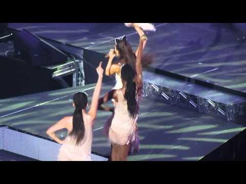 Pink Champagne - Ariana Grande - Live in Toronto