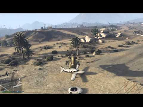 GTA5 Online: Helicopter wrestling and landing on the train