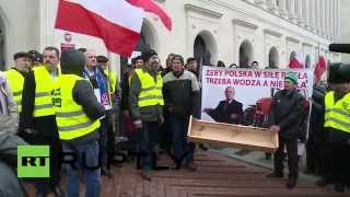 Poland: Farmers protest drop in exports caused by Russia sanctions Image