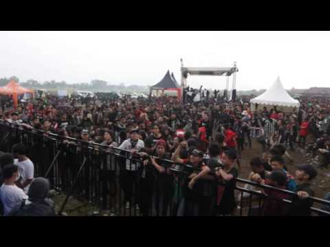 Rotten To The Core - POLICE ON MY BACK @ Hellprint 2013