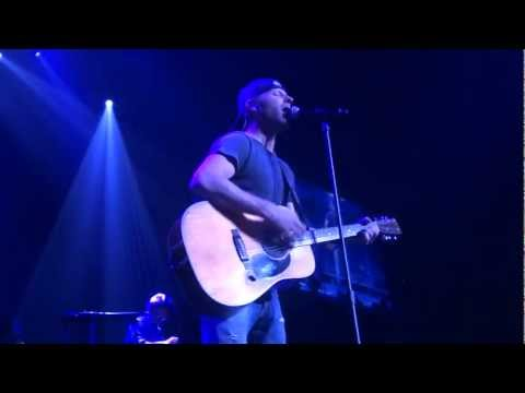 I Hold On - DIERKS BENTLEY - Kansas City, MO 3/9/2013