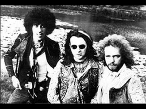 Thin Lizzy - Crusing In The Lizzymobile