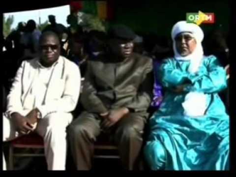 Le Gl Amadou Aya Sanogo reçoit la reconnaissance de la population  pour son grade de Général.