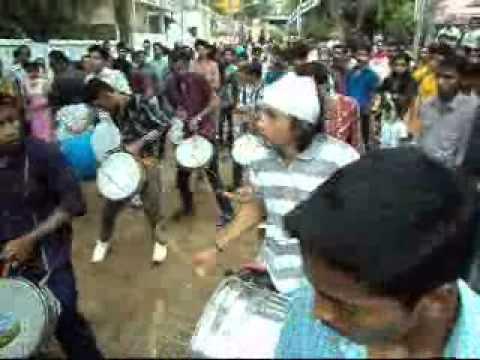 Munnas Beatz-Nasik Dhol.wmv