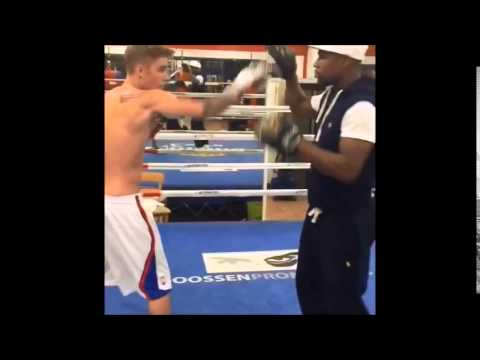 Justin Bieber boxing with Floyd Mayweather - 16 October, 2014