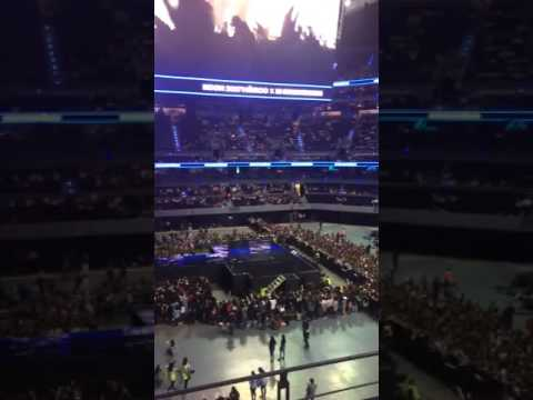 170317 KCON MEXICO - FANS SINGING BTS' FIRE BEFORE THE SHOW