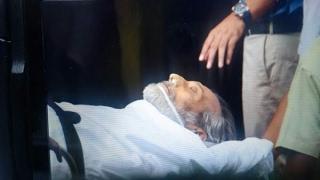 In Graphics: RIP Vinod Khanna: Actor's Ex & current wife Geetanjali & Kavita AND kids Sask