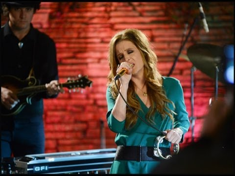 Lisa Marie Presley Returns to Memphis