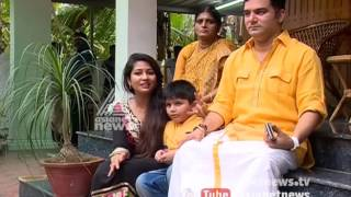 Navya Nair and family Sharing Onam experience with Asianet News