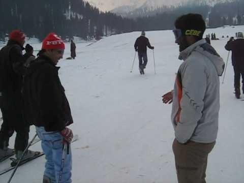 Myself - ( Gourav ) - Ice skiing in Gulmarg, Enjoying the Trip of Heaven.avi