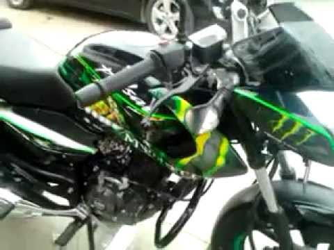 pulsar 135 personalizada MONSTER ENERGY