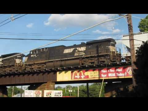 A DAY WITH TRAINS-PISCATAWAY & ROSELLE NJ