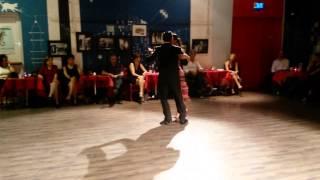"""Johana Copes & Joaquín Besga - Tango """"El Internado"""" - Orq. La Juan D'Arienzo"""