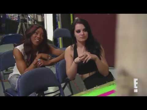 Total Divas Season 3, Episode 12 Clip: Rosa Mendes suffers a wardrobe malfunction