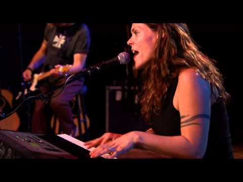Beth Hart - Leave That Ligth On