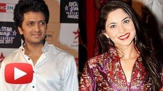 Riteish Deshmukh And Sonalee Kulkarni Waiting For Bollywood Movie Grand Masti!