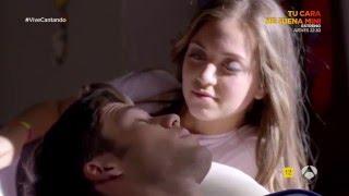 Video clip Carlos y Paula intentan tener relaciones sexuales - Vive Cantando