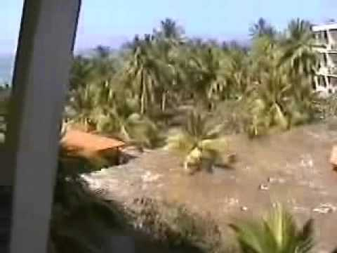 Raw Tsunami Video Sri Lanka Resort 2004
