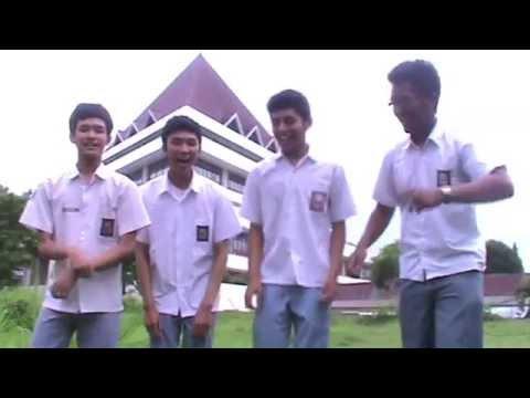 Video Parodi. Aing mah teu nyaho. Silaturahmi Band [2012]