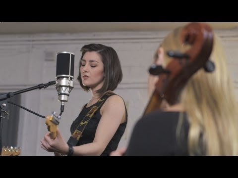 Hannah Trigwell - Hearts on Fire (Live from Greenmount Studios)