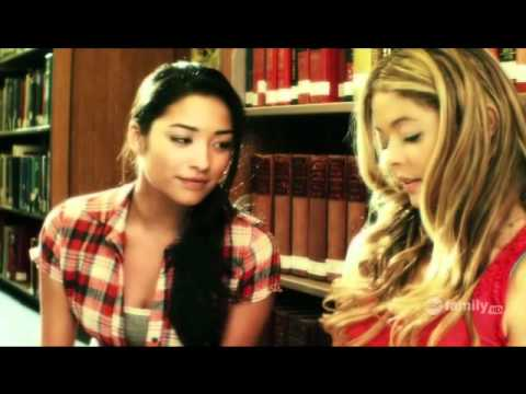 Pretty Little Liars - Alison & Emily's Kiss video