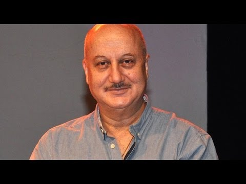 Watch Anupam Kher's Play 'Kuchh Bhi Ho Sakta Hai' Celebrates it's  300th Show