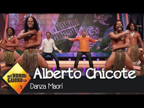 Alberto Chicote y Pablo Motos bailan la danza Maorí en El Hormiguero 3.0