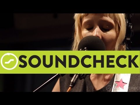 Jessica Lea Mayfield: I Wanna Love You Live On Soundcheck