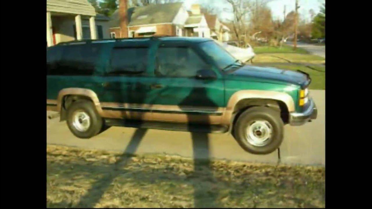 Diesel Chevy Suburban >> 6.5L Turbo Diesel Suburban 4x4 - YouTube