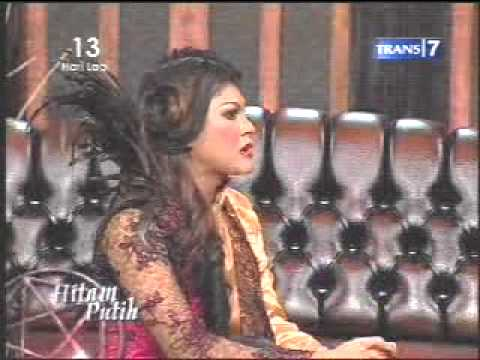 HUDSON at Hitam Putih 2 December 2010 Trans7 pt1