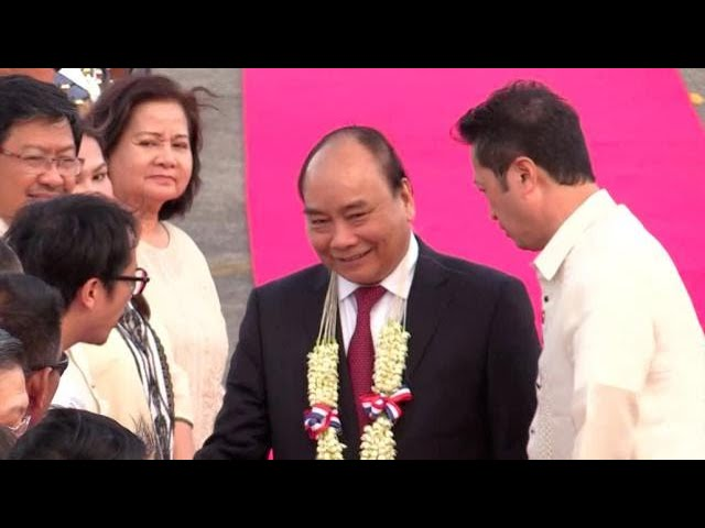 Vietnamese PM Nguyen Xuan Phuc arrives in PH for 31st Asean Summit