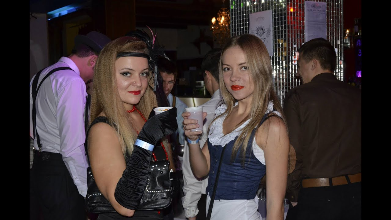 Girls Of Kiev Enjoying The Nightlife At The Maidan Youtube