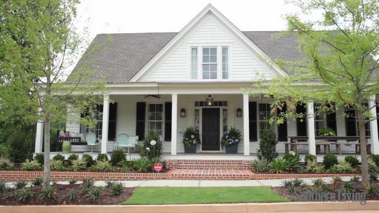 Southern living 39 s 2012 farmhouse renovation sneak peek for One story southern house plans