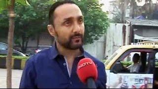 Actor Rahul Bose boards the Mumbai Meri Jaan Taxi