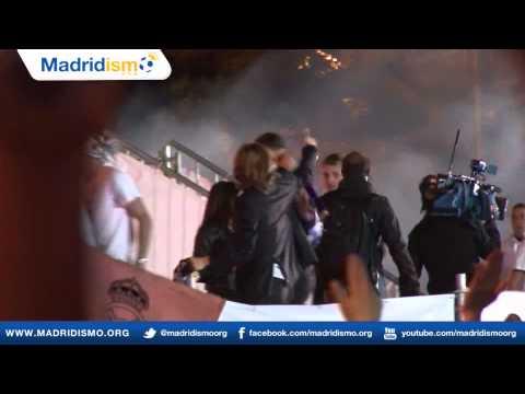 Fans Celebrate La Decima in Cibeles (Real Madrid vs Atletico Madrid - Champions League)