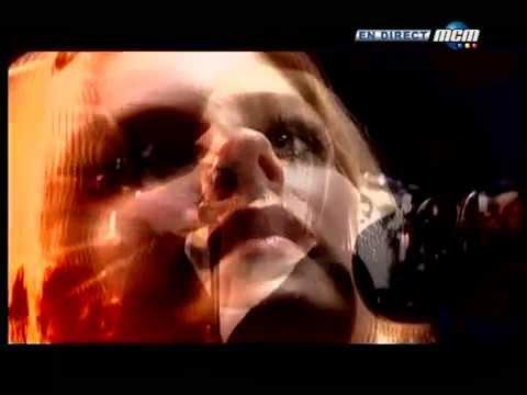 Avril Lavigne - Live at Paris (France) 07/06/2004 HQ