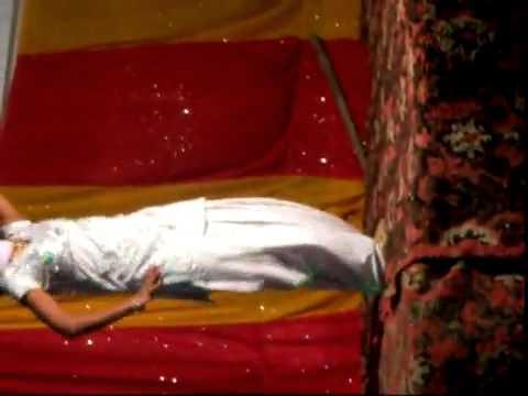 Chitte Suit Te Daag ~ Dance By Jyoti In Bhaiya's Engagement...  ).flv video
