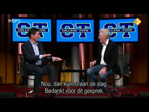 2013 - Richard Gere kisses Dutch student (College Tour)