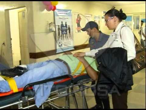 Carro atropela motociclista na Av. Getúlio Vargas e foge do local